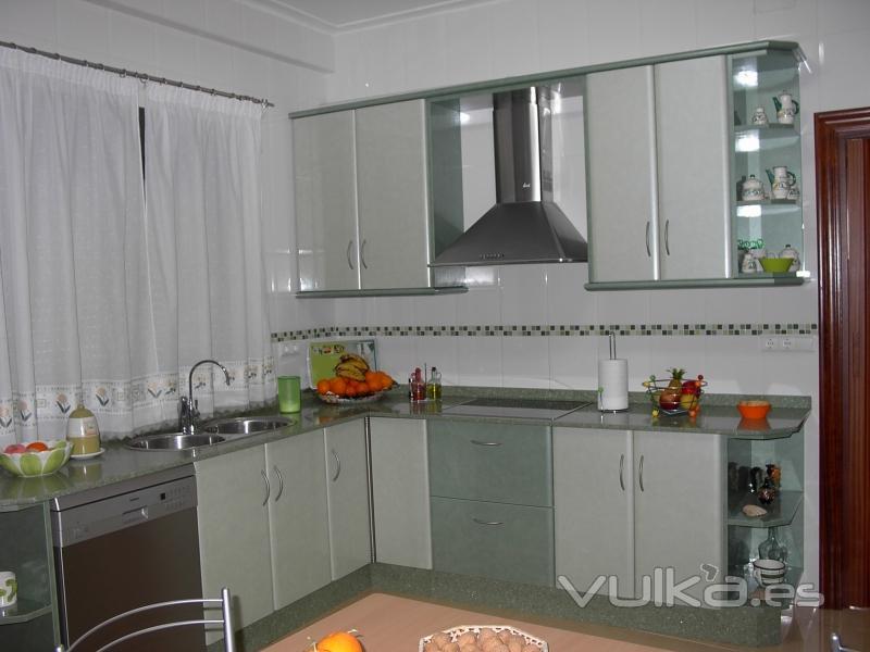 Foto cocina de formica verde - Formica para cocinas ...