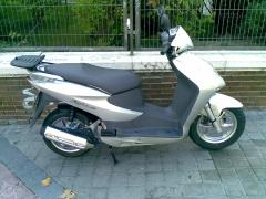 Varias motos nuevas de 150c.c. para ciudad y alrededores.