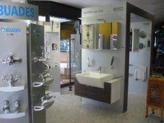 Grifería, muebles de baño y accesorios
