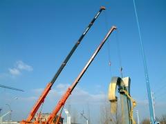 12-3-2010 colocaci�n de escultura en la rotonda del ferial de palencia