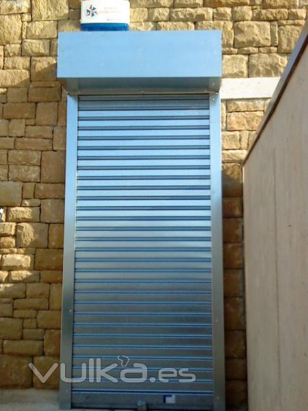 Foto persiana metalica galvanizada da seguridad y es barata - Persianas blindadas ...