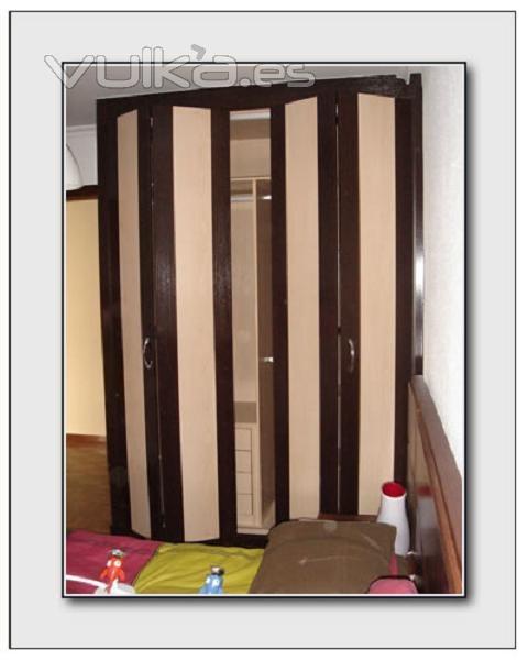 Foto armario plegable a medida modelo teleno armario con - Armarios hechos a medida ...