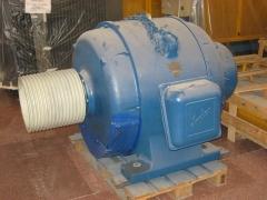 Motor anillos rozantes indar 250 hp 950 rpm 220/380 v. con polea de 15 canales.