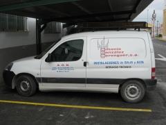 Vehiculo asistencia tecnica reparacion averias.
