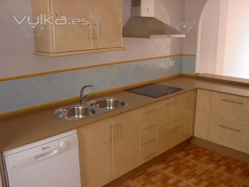Foto cocina de formica amarilla - Muebles de cocina de formica ...