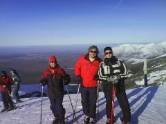 Jornada de esquí. todos los inviernos el colegio mayor peñafiel organiza una pequeña escapada a los pirineos para ...