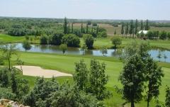Vista desde apartamentos. campo de golf leon