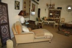Exposicion de muebles y tapizados.