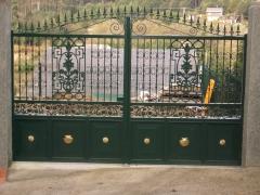 Puerta cancela de dos hojas met�lica.