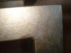 Detalle consola material cuadrado en plata