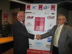 Firma presidente de ape galicia (autonomos) y nuestro director de tempu