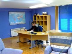 Quirino & brokers despacho privado al fondo de la oficina entrando en el al lado izquierdo entranda