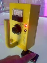 atrezo medidor de radiaccion