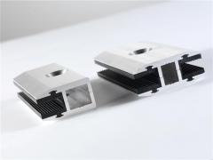 Garras, clips, pinzas o fijaciones r�pidas y sencillas para estructuras solares fotovoltaicas sin marcos