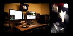 Sala de edición con estación final cut pro y pro tools, y sala de locución.