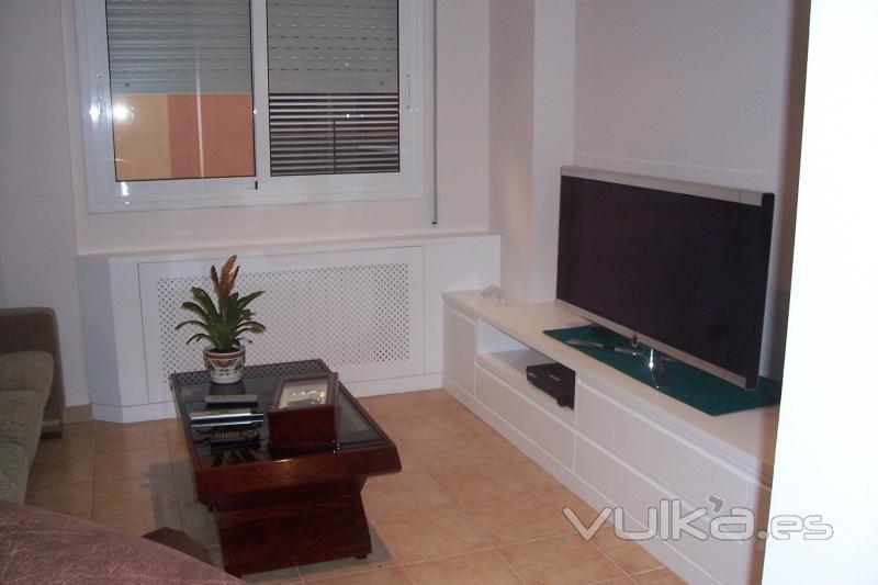 Foto muebles de comedor con material en dm lacado blanco mate tiradores integrados - Muebles comedor blanco lacado ...
