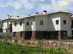 Barcenilla de piélagos. fachada este edificio norte. construction management. 2010