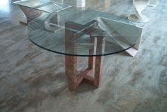 Mesa de comedor de rojo alicante