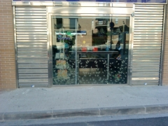 Persianas de acero inoxidable con microperforado para ventilacion de local