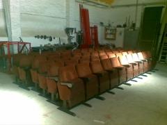 Fabricamos y modificamos silla para teatros y cines