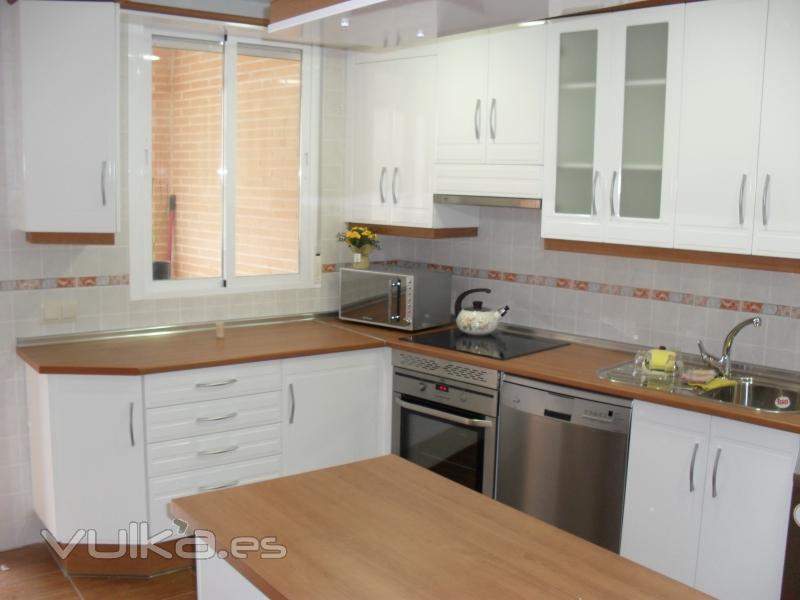 Foto de muebles de cocina dacal s coop foto 1 for Muebles de cocina la oportunidad