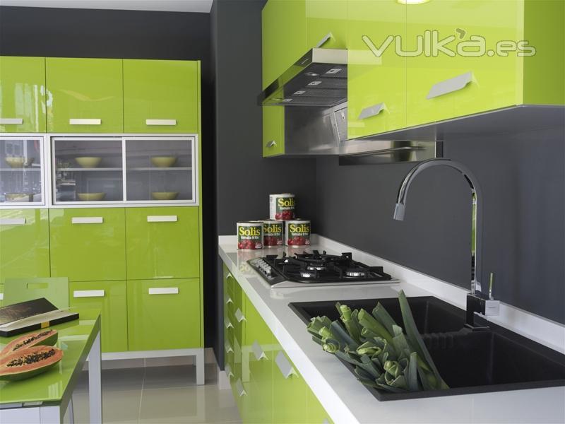 Muebles de cocina Yelarsan Look verde, detalle bancada