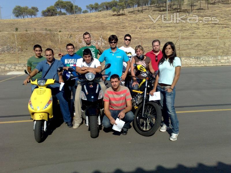 Aprobados examen moto