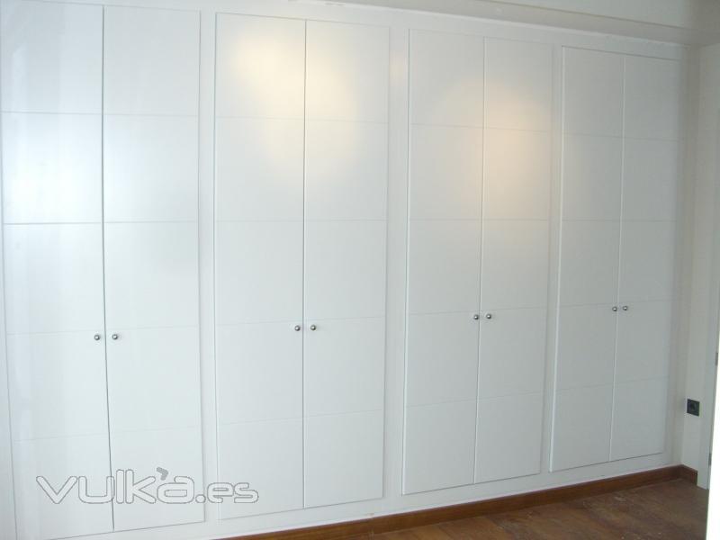 Foto frente armario empotrado lacado mj - Armarios lacados en blanco ...