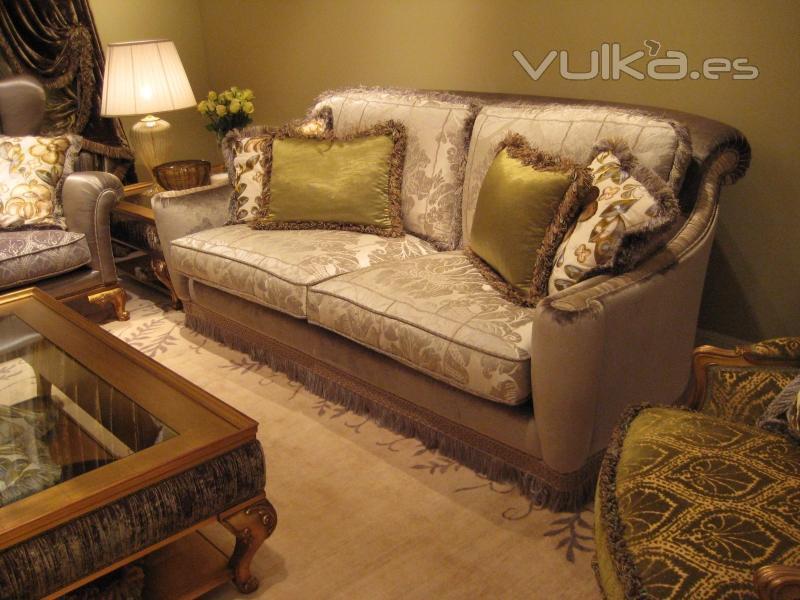 Foto tapizados clasicos modernos para siempre for Modelos de tapizados para sillas
