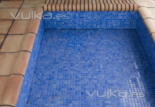 Foto baldosas para remate de piscinas - Baldosas para piscinas ...