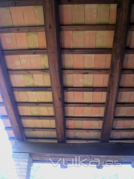 Foto baldosas manuales para techos r sticos for Imagenes de techos rusticos