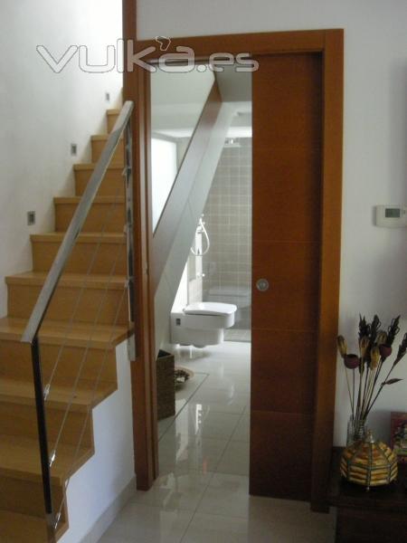 Ebanister a j garc a decoraci n for Medio bano bajo escalera