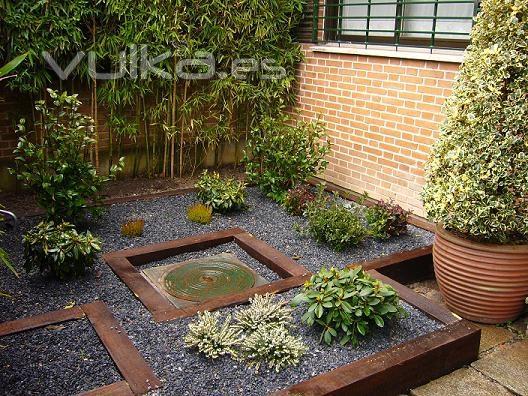 Foto jard n bajo mantenimiento for Jardines de bajo mantenimiento