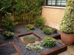 Jardín bajo mantenimiento