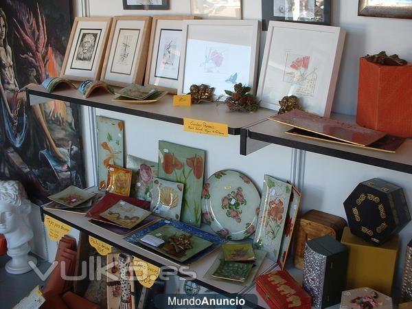 Foto: Exposición de los trabajos de manualidades adquiribles en la ...