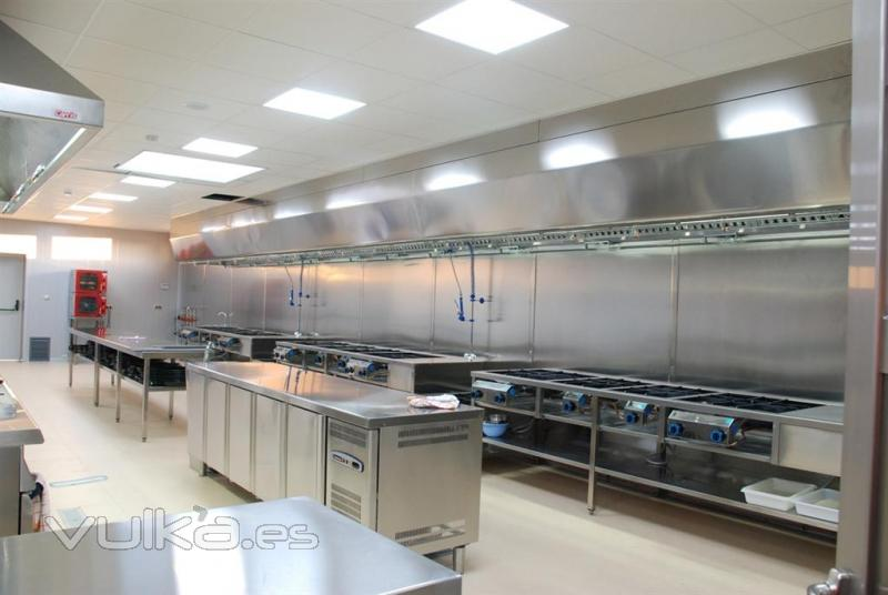 Foto restaurante la arrocer a de pic n - Decoracion de cocinas industriales ...