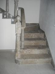 Escalera y balaustrada de mármol emperador.