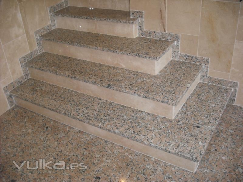 Foto escalera granito rosabel y m rmol crema marfil for Fabrica de granitos y marmoles