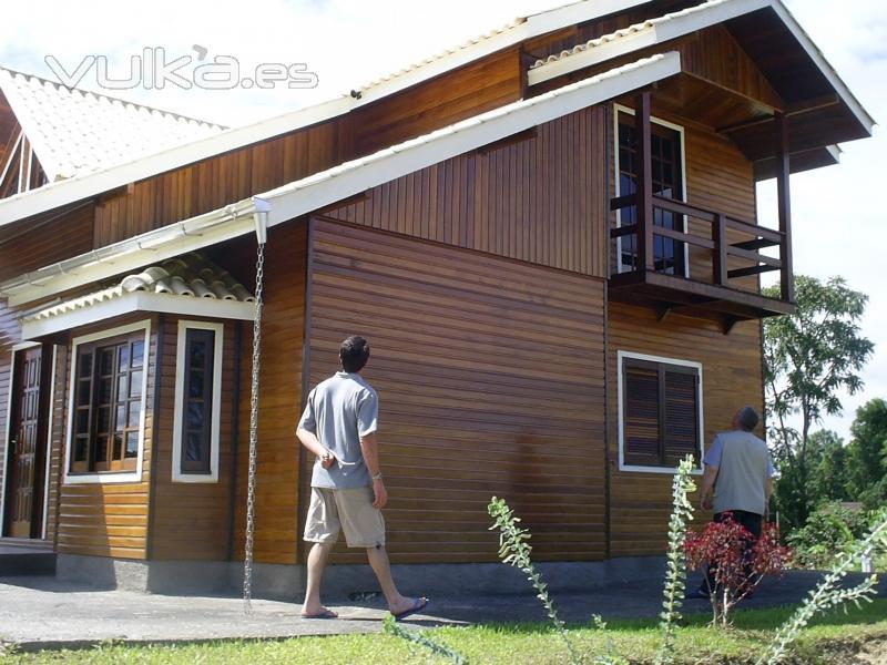 Foto casa de madera dos plantas - Casas de madera de dos plantas ...
