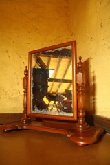 Espejo de tocador, de tea, restaurado. conserva espejo original. s.xix .250 eur