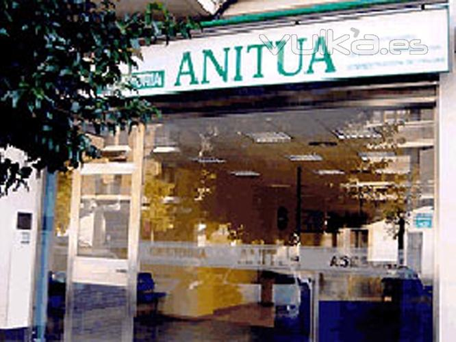 Gestoría Anitua está ubicada en la calle José Mardones 16 de Vitoria-Gasteiz