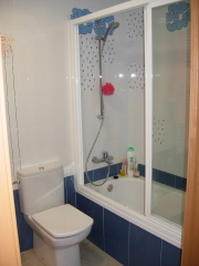 Baño infantil bañera e inodoro - valencia