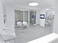 Foto 11 seguros en A Coruña - Alush Clinica Dental