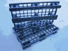 Paleta pl�stico lp 1208 sl con 3 patines - reja. carga din�mica: 1.000 kg
