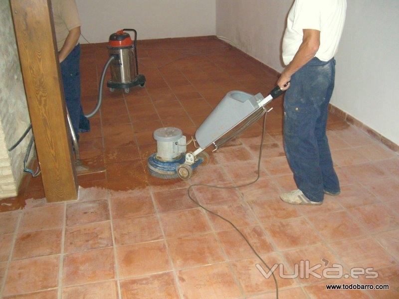 Todobarro - Como sacar manchas del piso de ceramica ...