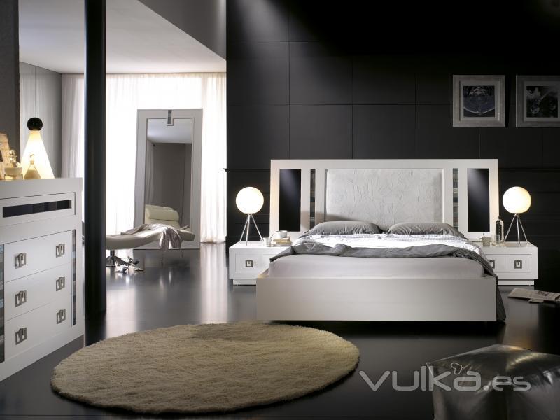 Foto dormitorio blanco for Imagenes de roperos para dormitorios