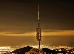 Torre  collserola anochecer