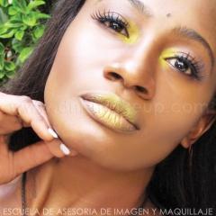 Maquillaje fresco para piel oriental