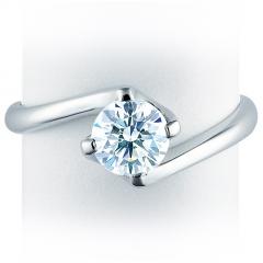Anillo solitario de compromiso con diamante talla brillante 4 garras en espiral