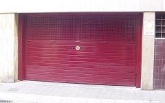 Basculante con ventilación en chapa perforada